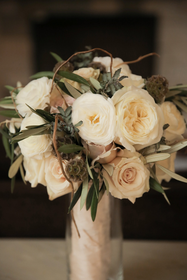 ivory wedding bouquet - photo by Pepper Nix Photography http://ruffledblog.com/deer-valley-resort-wedding-with-a-burgundy-gown