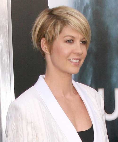 Jenna Elfman Short Casual Hair