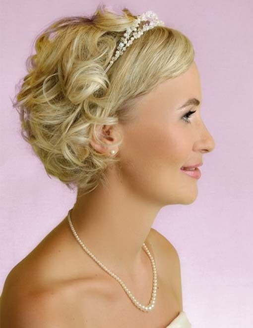 Glamorous Bridesmaid Hairstyle for Short Curly Hair
