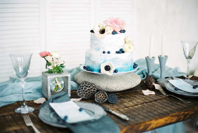 Ombre wedding cake | Maria Levitska | see more on: http://burnettsboards.com/2015/05/cold-sea-shore-stormy-wedding-editorial/