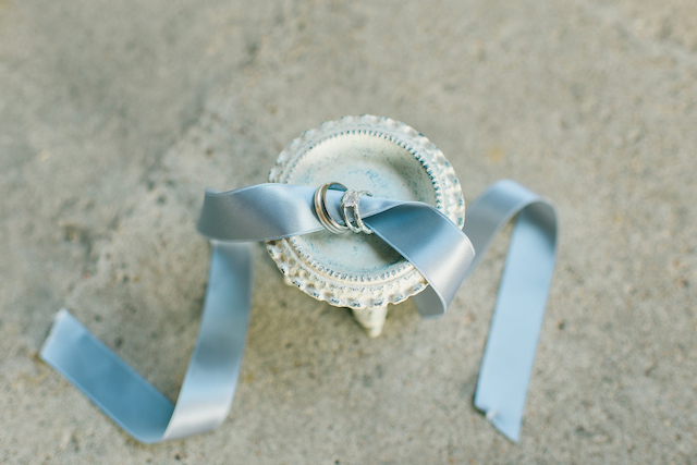 Dusty blue wedding ideas | Elisheva Golani Photography and Belle Soul Weddings | see more on: http://burnettsboards.com/2015/05/romantic-dusty-blue-wedding/