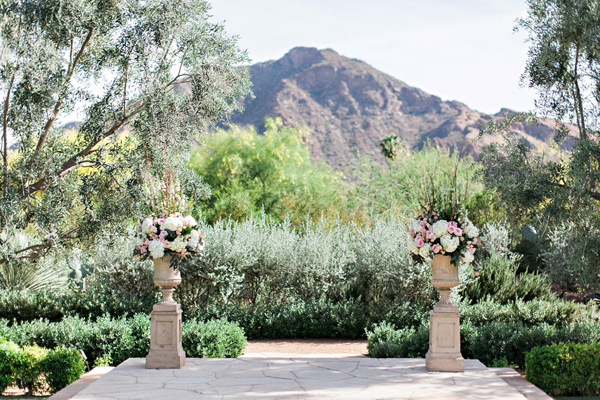 ceremony setup - photo by Pinkerton Photography http://ruffledblog.com/spring=romantic-wedding-in-the-desert