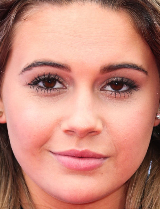 Close-up of Beatrice Miller at the 2015 Radio Disney Music Awards.