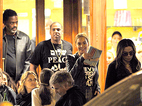 Beyonce and Jay-Z double date with Tina Knowles and new husband, Richard Lawson, at Bar Pitti restaurant in NYC.