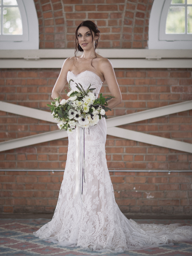 Ines Di Santo wedding dress | Mike Rose Photography | see more on: http://burnettsboards.com/2015/05/urban-spring/