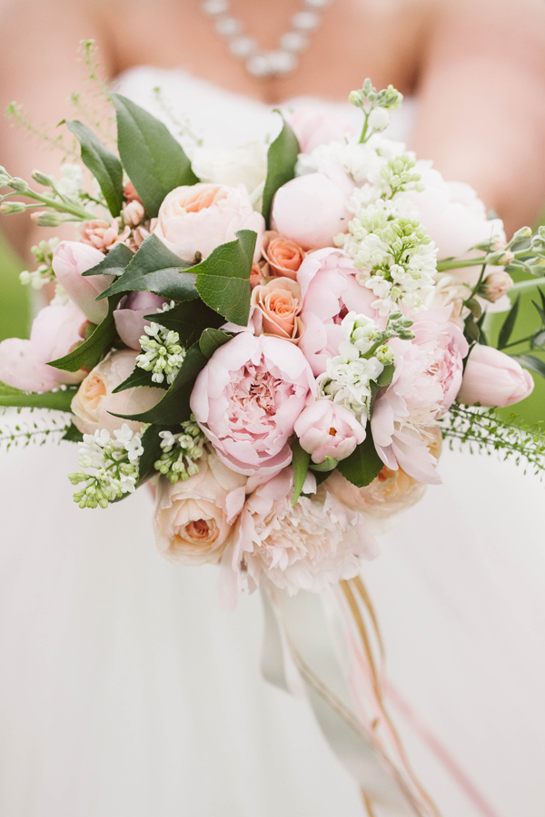 blush pink bouquet - photo by A Muse Photography http://ruffledblog.com/gold-glam-vineyard-wedding-in-virginia
