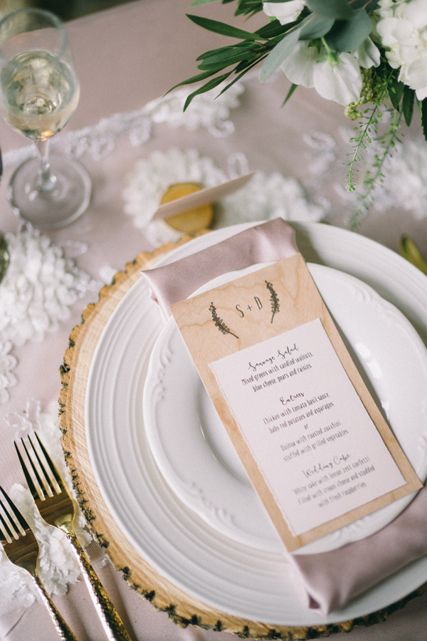 romantic rustic place setting - photo by Jaimee Morse http://ruffledblog.com/woodland-romance-wedding