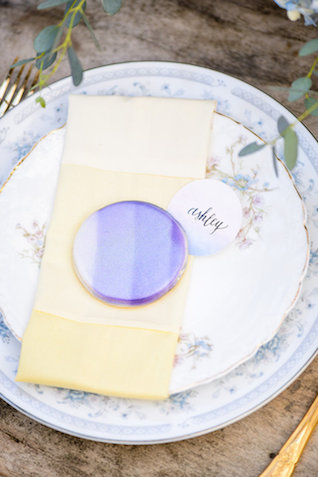 Ombre cookie | The Veil Wedding Photography | see more on: http://burnettsboards.com/2015/05/whimsical-pastel-ombre-wedding-ideas/