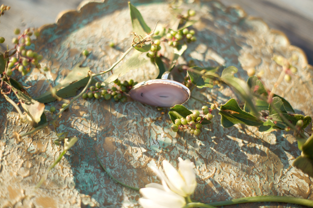 Geode ring | Ann Imagines | see more on: http://burnettsboards.com/2015/05/love-story-pastels/
