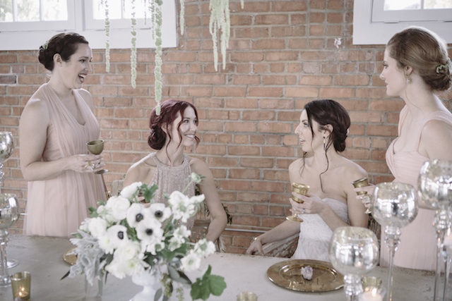 spring wedding ideas | Mike Rose Photography | see more on: http://burnettsboards.com/2015/05/urban-spring/