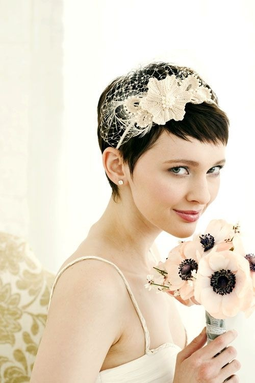 Charming Bridesmaid Hairstyle for Very Short Hair