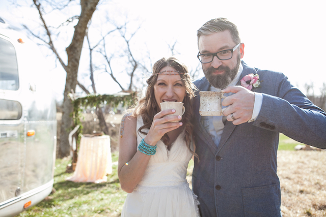 Coffee wedding | Cornerstone Photography| see more on: http://burnettsboards.com/2015/06/geodes-feathers-airstream/