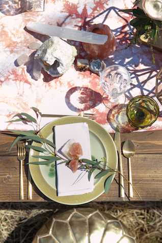 Geode place setting | Cornerstone Photography| see more on: http://burnettsboards.com/2015/06/geodes-feathers-airstream/