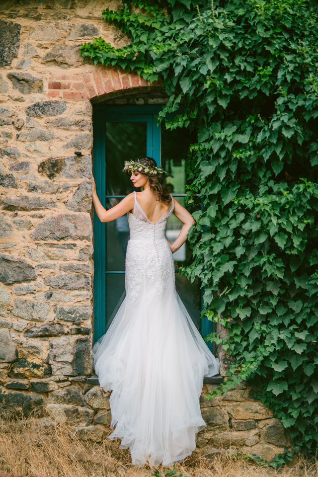 Classic wedding dress with train | Elyse Alexandria Photography | see more on: http://burnettsboards.com/2015/06/wedding-redo/
