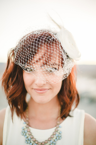 Birdcage wedding veil | K Robinson Photography | see more on: http://burnettsboards.com/2015/06/urban-boho-bridals/