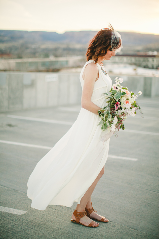 Rooftop bridal session | K Robinson Photography | see more on: http://burnettsboards.com/2015/06/urban-boho-bridals/