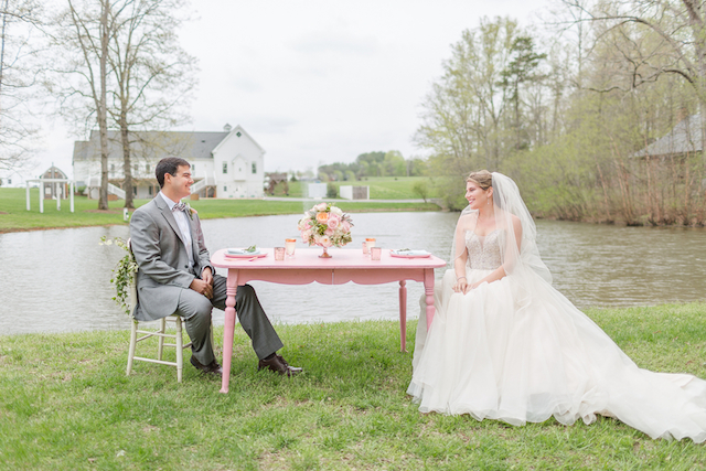 Pink and green wedding | Jessica Green Photography | see more on: http://burnettsboards.com/2015/06/sweet-simple-summer-wedding/