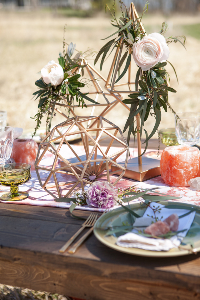 Geometric centerpiece | Cornerstone Photography| see more on: http://burnettsboards.com/2015/06/geodes-feathers-airstream/