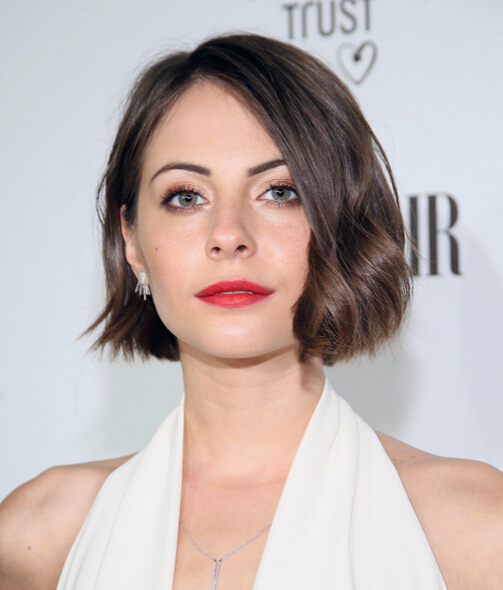 Willa Holland Short Hair Cut - Brown Short Wavy Hairstyle