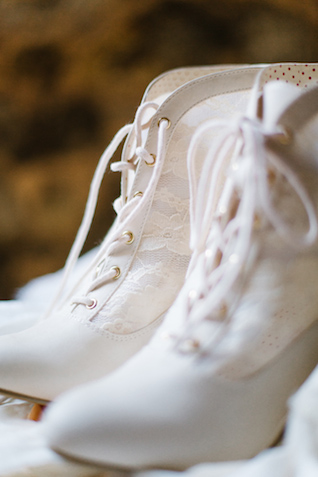 Vintage lace boots | Elyse Alexandria Photography | see more on: http://burnettsboards.com/2015/06/wedding-redo/