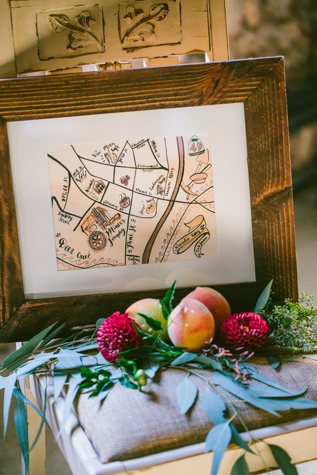 Hand drawn wedding map | Elyse Alexandria Photography | see more on: http://burnettsboards.com/2015/06/wedding-redo/