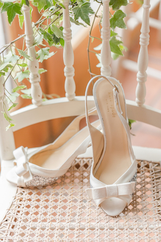 White Kate Spade shoes with bows | Jessica Green Photography | see more on: http://burnettsboards.com/2015/06/sweet-simple-summer-wedding/