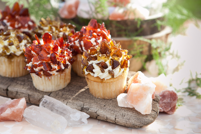 Rock candy cupcakes | Cornerstone Photography| see more on: http://burnettsboards.com/2015/06/geodes-feathers-airstream/