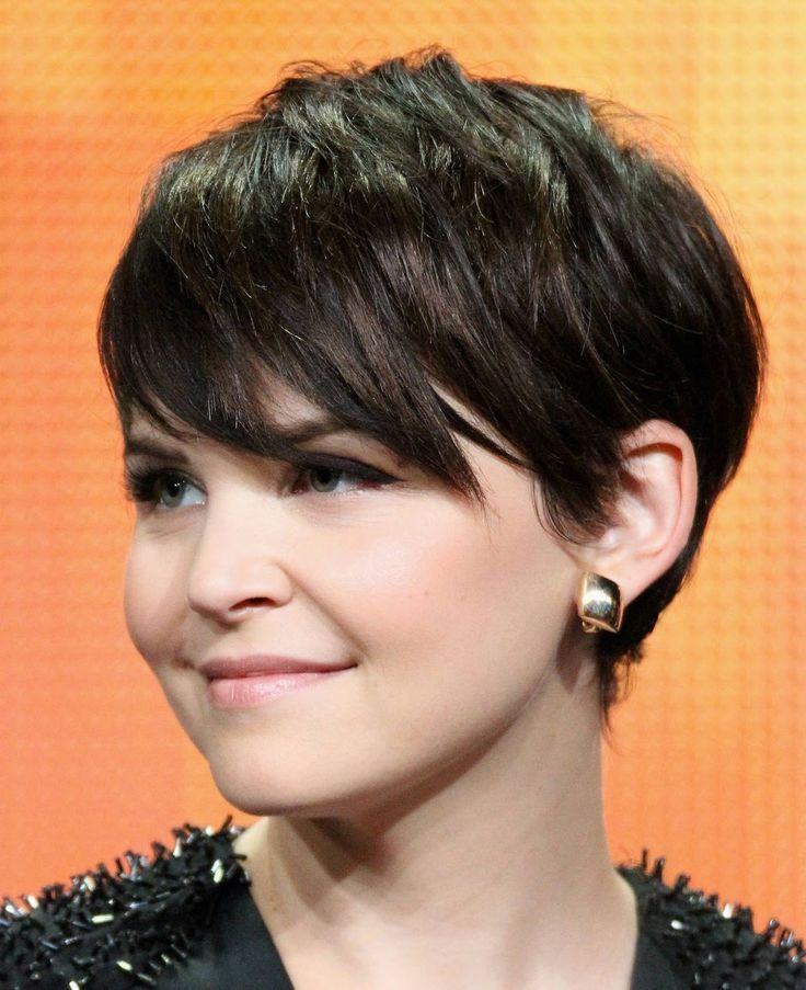 Short Hairstyles with Side Bangs - Pixie Cut for Round Face