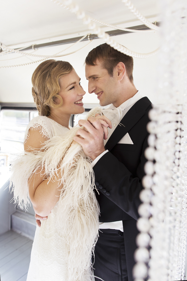 1930s wedding ona vintage train | Tausendschon Photographie | see more on: http://burnettsboards.com/2015/05/1930s-wedding-vintage-train/