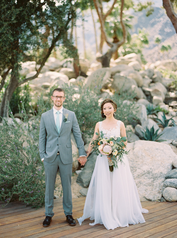 Palm Springs wedding for a creative bride and groom - photo by Laura Goldenberger http://ruffledblog.com/palm-springs-wedding-for-a-creative-bride-and-groom