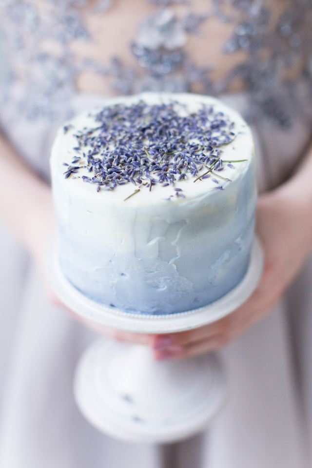 Mini lavender wedding cake | Elisaveta Sudarikova | see more on: http://burnettsboards.com/2015/06/lavender-bride/