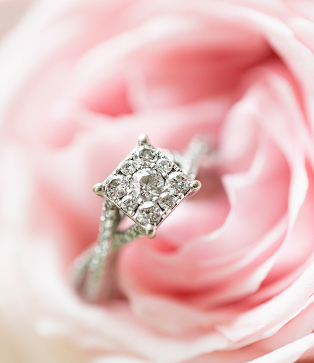 Diamond engagement ring | Jessica Green Photography | see more on: http://burnettsboards.com/2015/06/sweet-simple-summer-wedding/