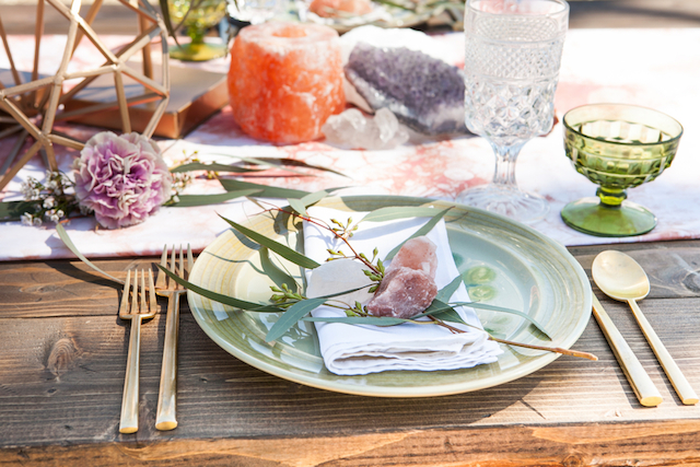 Geode place settings | Cornerstone Photography| see more on: http://burnettsboards.com/2015/06/geodes-feathers-airstream/