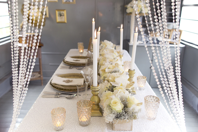 White and gold tablescape | Tausendschon Photographie | see more on: http://burnettsboards.com/2015/05/1930s-wedding-vintage-train/