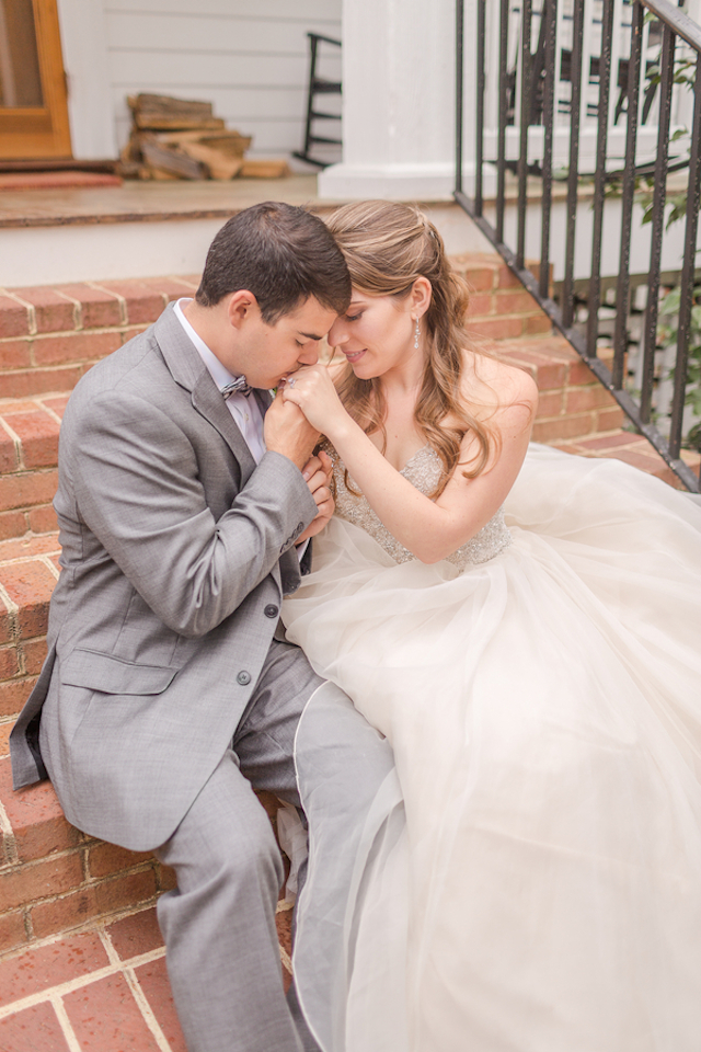 Virginia wedding | Jessica Green Photography | see more on: http://burnettsboards.com/2015/06/sweet-simple-summer-wedding/