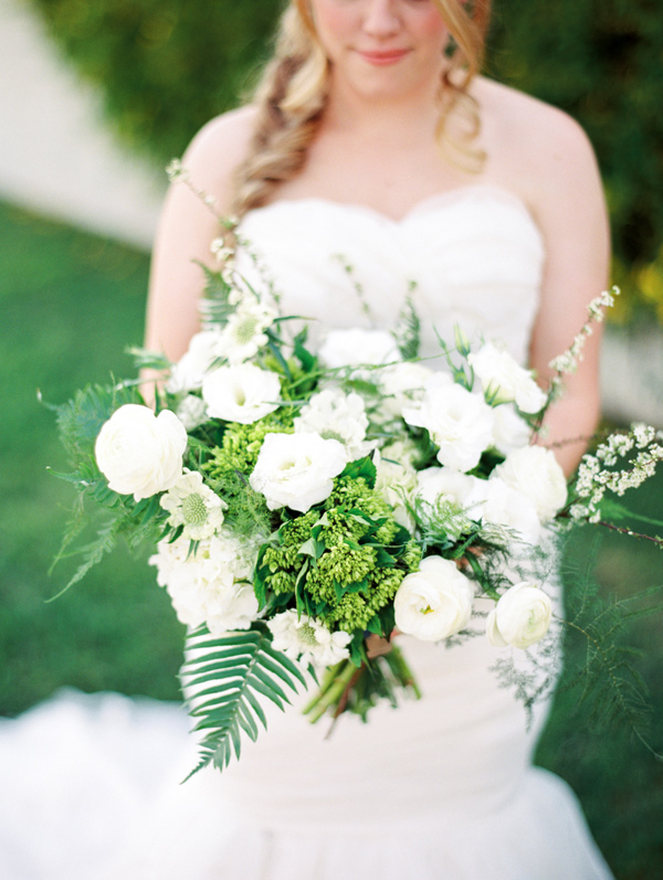 green and white bouquet - photo by Rachel Solomon Photography http://ruffledblog.com/handcrafted-mismatched-backyard-wedding