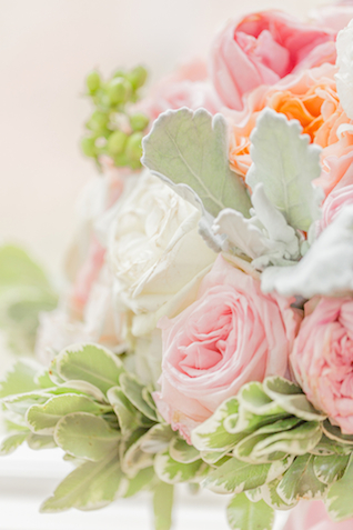 Pink and green bridal bouquet | Jessica Green Photography | see more on: http://burnettsboards.com/2015/06/sweet-simple-summer-wedding/