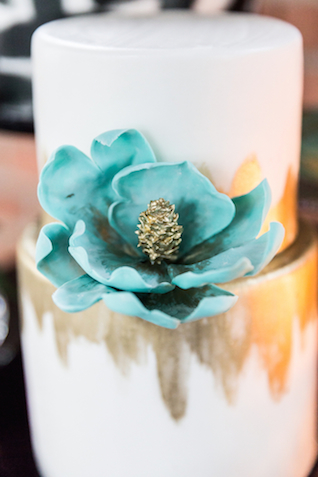 White, gold, and turquoise wedding cake | Cavin Elizabeth Photography | see more on: http://burnettsboards.com/2015/06/modern-wedding-black-white-seafoam/