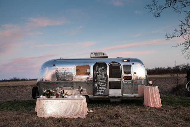 Airstream wedding ideas | Cornerstone Photography| see more on: http://burnettsboards.com/2015/06/geodes-feathers-airstream/