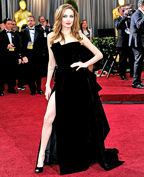 Angelina Jolie arrives at the 84th Annual Academy Awards held at the Hollywood & Highland Center on February 26, 2012 in Hollywood, California.