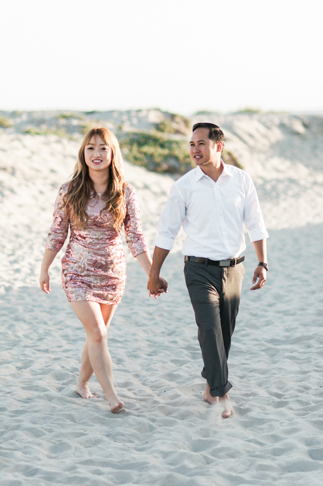 San Diego beach engagement session | Whiskers & Willow Photography | see more on: http://burnettsboards.com/2015/06/classic-san-diego-engagement-session/