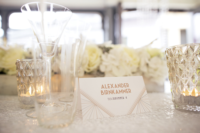 Art deco style place cards | Tausendschon Photographie | see more on: http://burnettsboards.com/2015/05/1930s-wedding-vintage-train/
