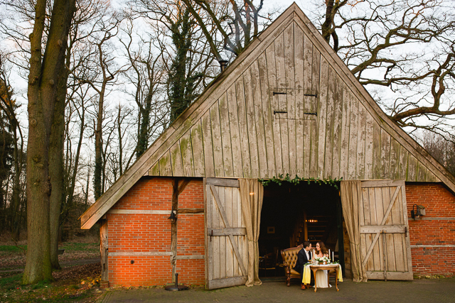 Rustic barn wedding ⎪ Susan Noëlle Fotografie ⎪ see more on: http://burnettsboards.com/2015/07/whimsical-dutch-barn-wedding/