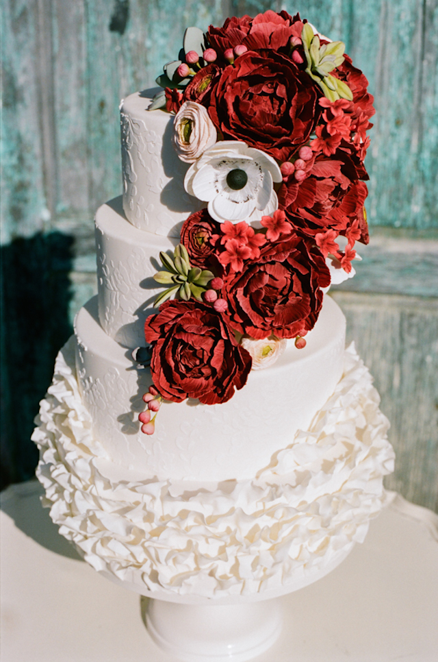 Red and white wedding cake | White Rabbit Studios | see more on: http://burnettsboards.com/2015/07/spanish-styled-shoot/