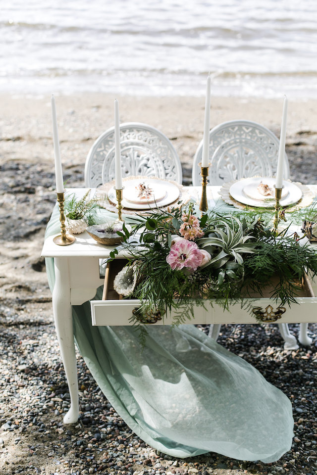 Whimsical Little Mermaid wedding | John Bello | see more on: http://burnettsboards.com/2015/07/disneys-mermaid-wedding/
