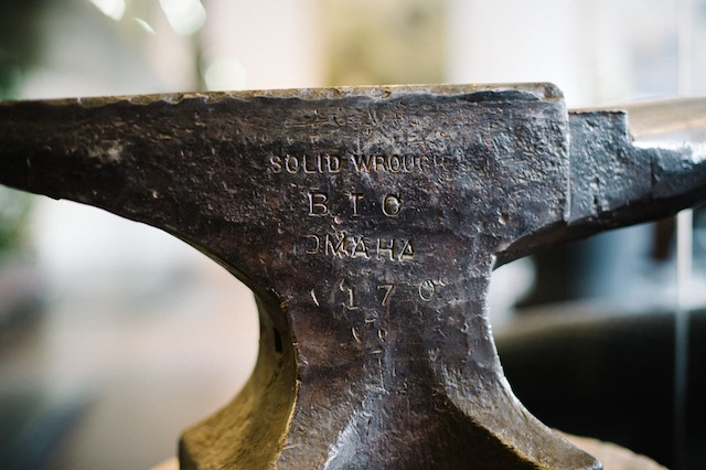Anvil ⎪James Christianson Photography ⎪ see more on: http://burnettsboards.com/2015/07/sexy-edgy-proposal-engagement/