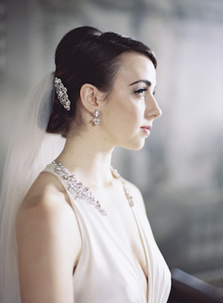 Classic bridal makeup and updo | Sarah Hannam | see more on: http://burnettsboards.com/2015/07/classic-wedding-silver-gold/