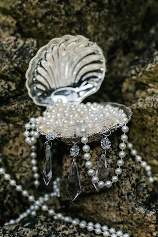 Pearls | John Bello | see more on: http://burnettsboards.com/2015/07/disneys-mermaid-wedding/