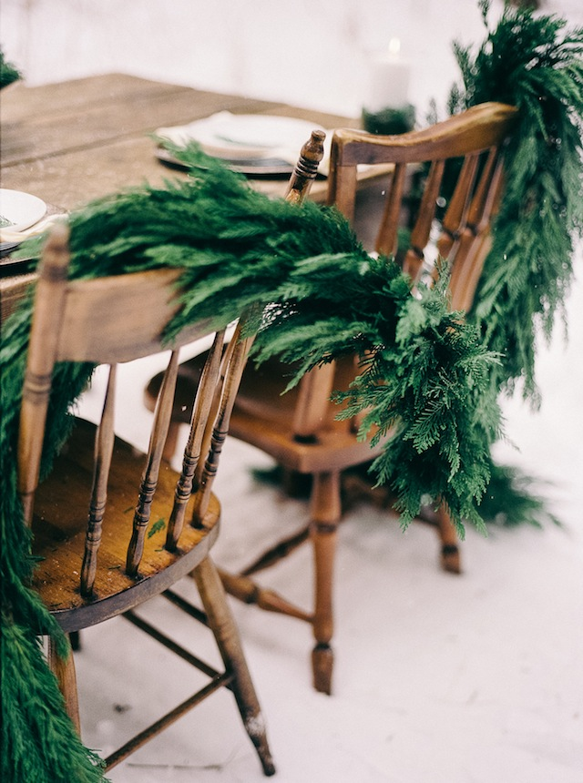 Pine chair garland ⎪ Nikki Santerre Photography⎪see more on: http://burnettsboards.com/2015/07/pastel-pine/