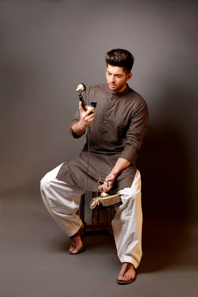 Khaadi-Latest-Eid-Ul-Fitr-Kurta-Collection-2013-For-Men-01